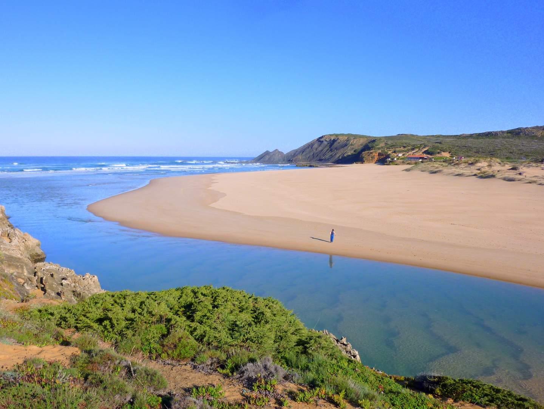 Praia da Amoreira: Strand an der Westküste der Algarve