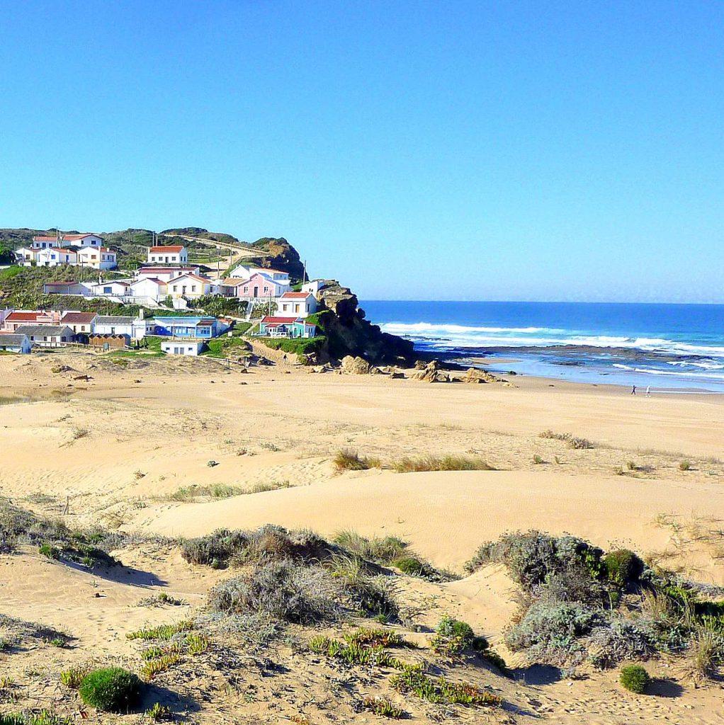 Praia Monte Clerigo