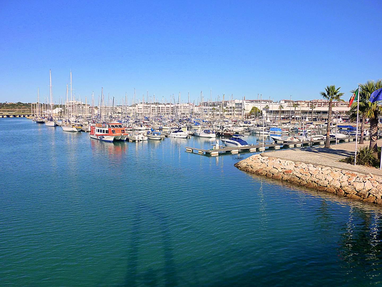 Algarve Sehenswürdigkeiten: Die Marina von Lagos