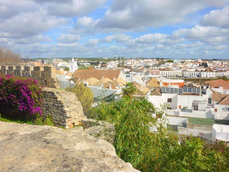 Tavira: Grazie der Algarve! Hier findest du Tipps für einen gelungenen Urlaub in Tavira, Portugal.