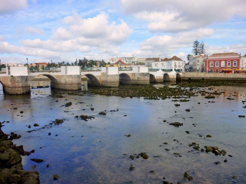 Algarve Sehenswürdigkeiten: Römische Brücke in Tavira