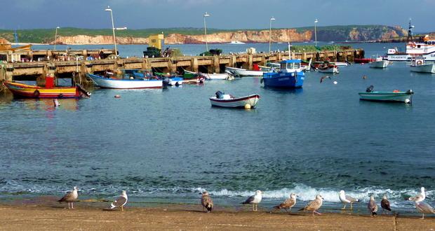Ferien an der Westküste der Algarve, Der Fischereihafen von Sagres