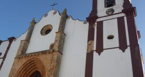 """Ferien im Binnenland der Algarve, Die Kathedrale """"Sé Velha"""" in Silves, Portugal"""