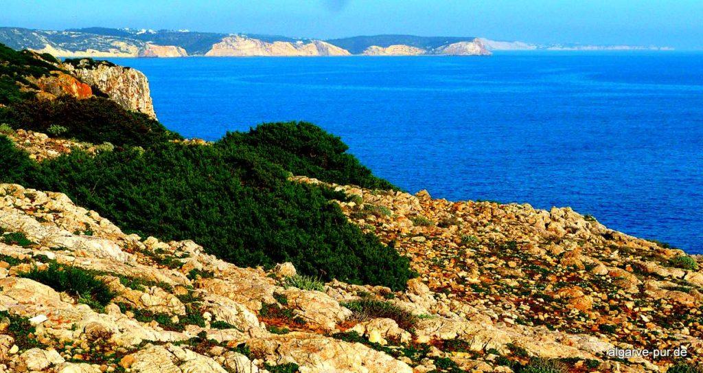 wandern Algarve: Blick bis Lagos