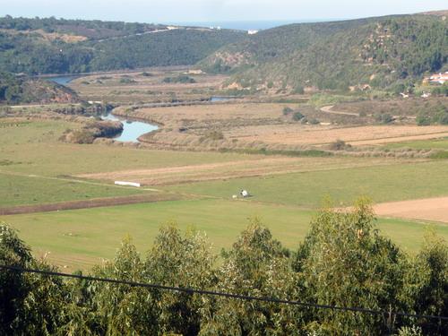 Odeceixe - Blick von der Windmühle über den Fluss