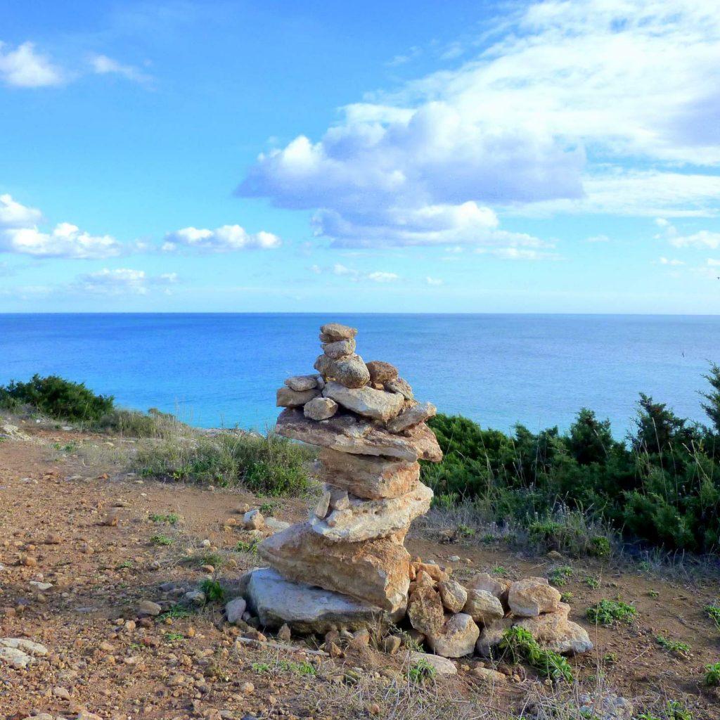 Wanderung vom Praia da Marinha zum Praia de Benagil.