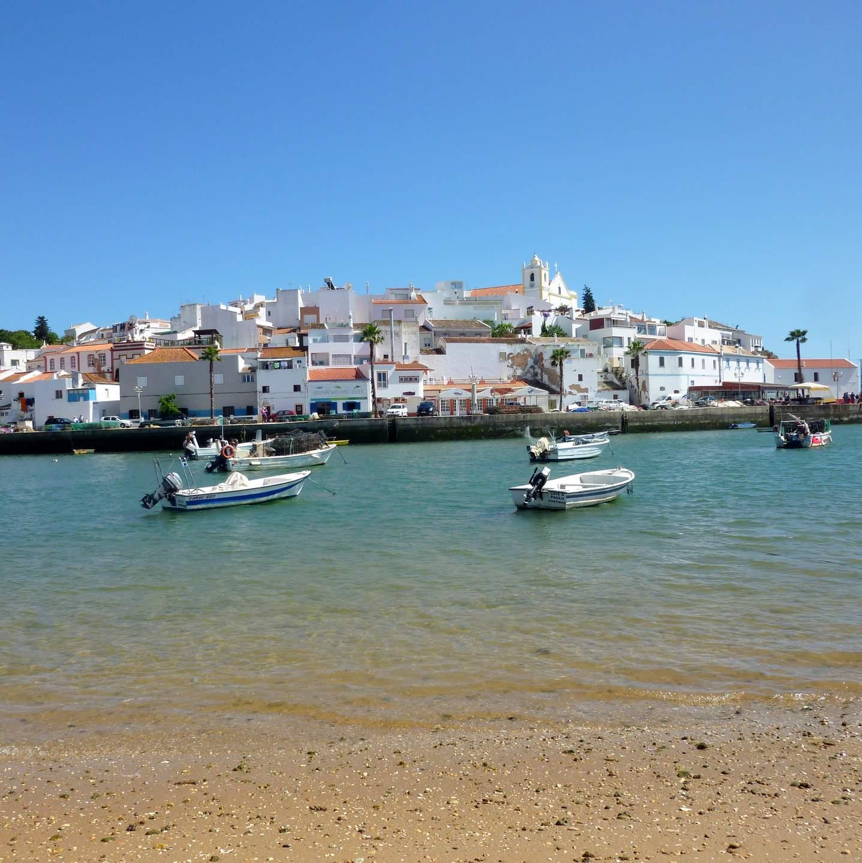 Hotels und Ferienhäuser in Ferragudo, Algarve, Portugal