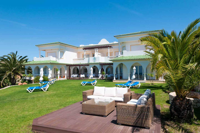 Villa Esmeralda, Lagos